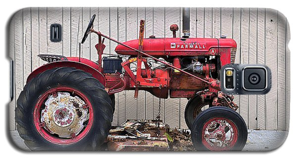Galaxy S5 Case featuring the photograph Little Red Farmall by Craig T Burgwardt