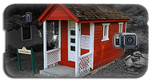 Little Red School House Galaxy S5 Case by Richard J Cassato