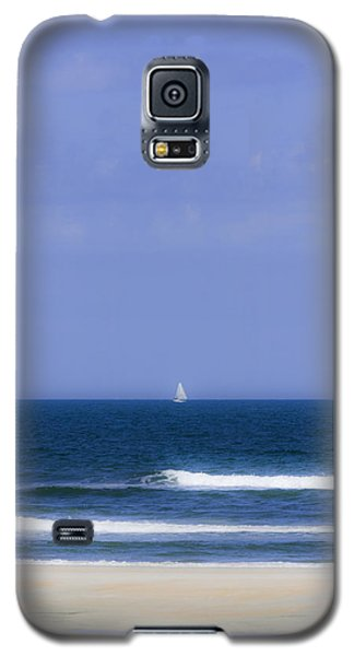 Little Sailboat On Calm Sea Galaxy S5 Case by Karen Stephenson