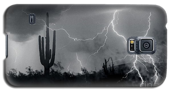 Galaxy S5 Case featuring the photograph Living In Fear by J L Woody Wooden