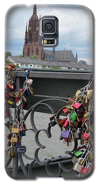 Locks Of Love 2 Galaxy S5 Case by Pema Hou