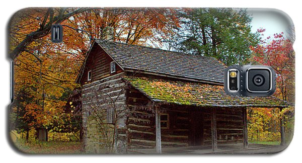 Galaxy S5 Case featuring the photograph Log Cabin 1 by Jim McCain