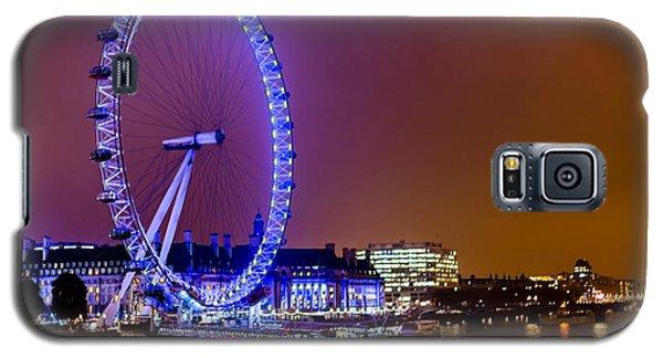Galaxy S5 Case featuring the photograph London Eye Night Glow by Matt Malloy