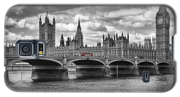 London - Houses Of Parliament And Red Buses Galaxy S5 Case