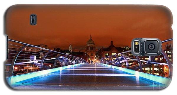 Galaxy S5 Case featuring the photograph London  by Mariusz Czajkowski
