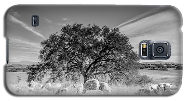 Galaxy S5 Case featuring the photograph Lone Oak by Robert  Aycock