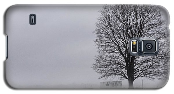 Lone Tree In The Fog Galaxy S5 Case
