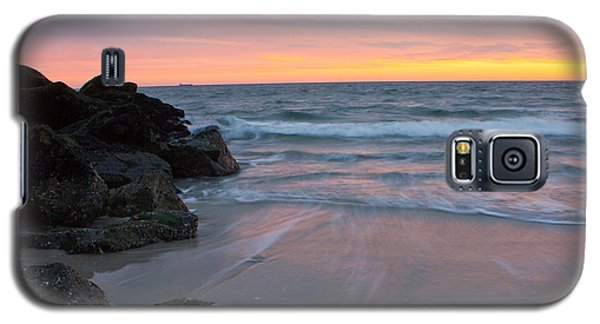 Galaxy S5 Case featuring the photograph Long Beach By The Rocks by Jose Oquendo