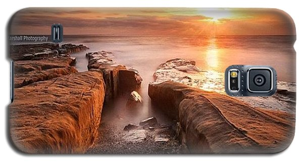 Galaxy S5 Case - Long Exposure Sunset At A Rocky Reef In by Larry Marshall