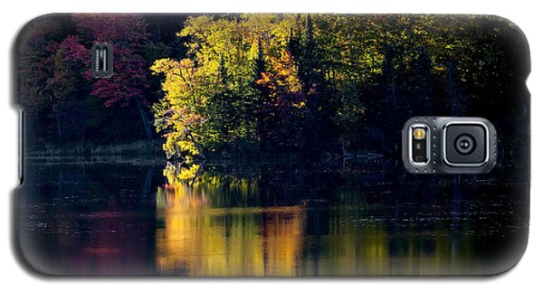 Long Pond Autumn Reflections Galaxy S5 Case by Alan L Graham