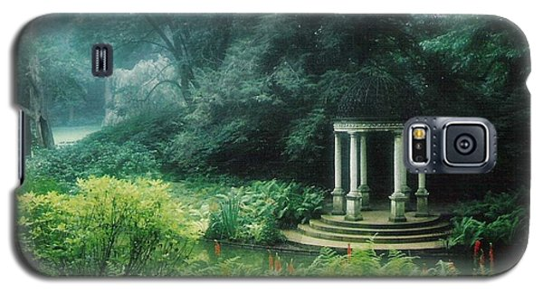 Galaxy S5 Case featuring the photograph Longwood Gazebo by Karin Thue
