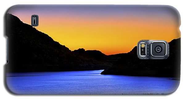 Looking Through The Quartz Mountains At Sunrise - Lake Altus - Oklahoma Galaxy S5 Case