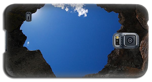 Galaxy S5 Case featuring the photograph Looking Up 2 by Debra Thompson