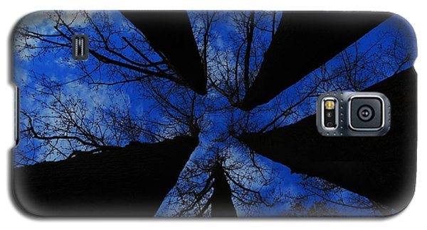 Looking Up Galaxy S5 Case by Raymond Salani III