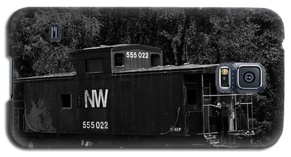 Galaxy S5 Case featuring the photograph Loose Caboose by Cathy Shiflett