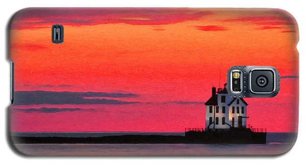 Lorain Lighthouse At Sunset Galaxy S5 Case by Michael Pickett