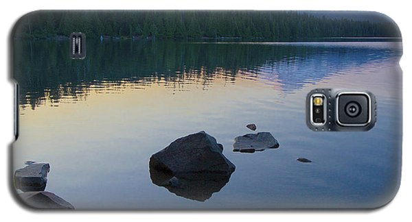 Galaxy S5 Case featuring the photograph Lost Lake Morning 81014c by Todd Kreuter