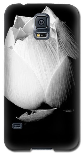 Lotus In Black And White Galaxy S5 Case
