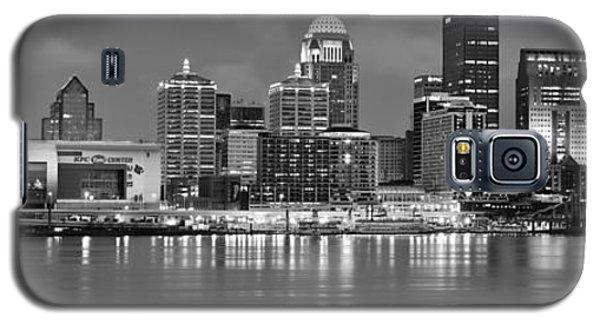 Louisville Skyline At Dusk Sunset Bw Black And White Panorama Kentucky Galaxy S5 Case