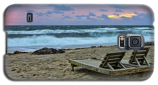 Loungers On The Beach Galaxy S5 Case by Don Durfee