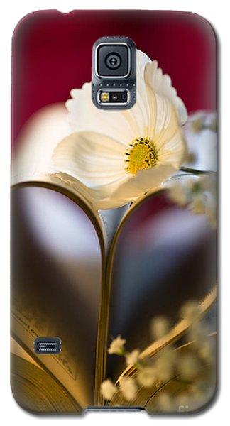 Love Is All Around Galaxy S5 Case by Jan Bickerton