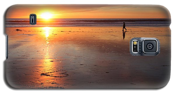 Galaxy S5 Case featuring the photograph Love Is Close by Nathan Rupert