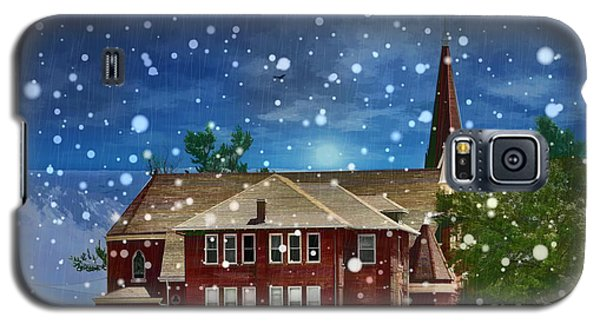 Galaxy S5 Case featuring the photograph Lovely Country Church by Liane Wright