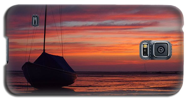Galaxy S5 Case featuring the photograph Sunrise At Low Tide by Dianne Cowen