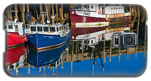 Boats And Reflections At Low Tide On Digby Bay Nova Scotia Galaxy S5 Case