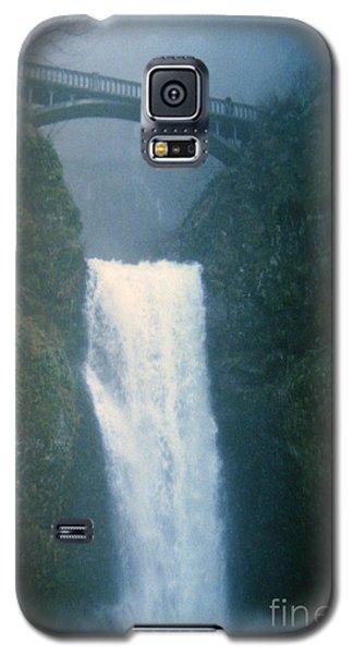 Lower Multnomah Falls Through The Mist Galaxy S5 Case