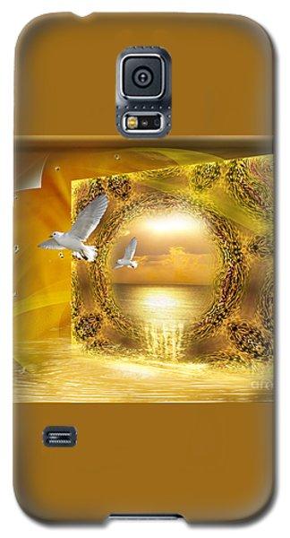 Galaxy S5 Case featuring the digital art Lucid Dream - Surreal Art By Giada Rossi by Giada Rossi
