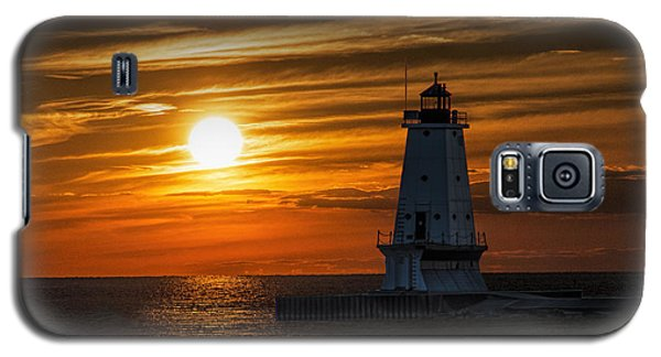 Ludington Pier Lighthead At Sunset Galaxy S5 Case by Randall Nyhof