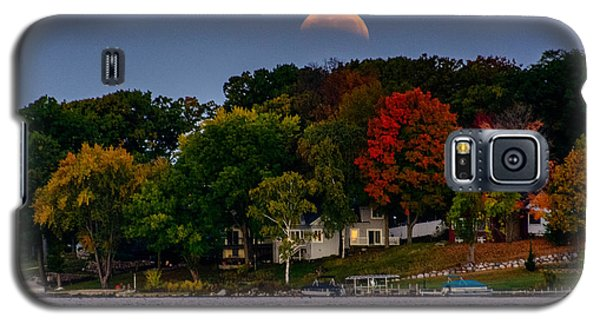 Lunar Eclipse Over Pewaukee Lake Galaxy S5 Case
