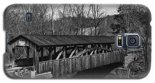 Luther's Mill Covered Bridge Black And White Galaxy S5 Case