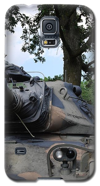 Galaxy S5 Case featuring the photograph M60a3 Us Tank 03 by Ramona Whiteaker