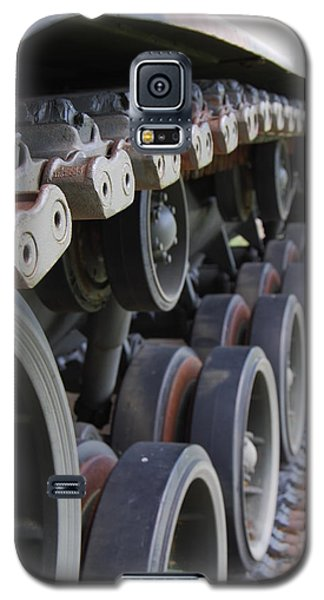 Galaxy S5 Case featuring the photograph M60a3 Us Tank 04 by Ramona Whiteaker