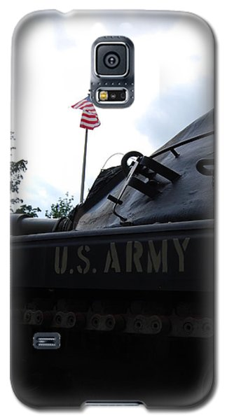 Galaxy S5 Case featuring the photograph M60a3 Us Tank 05 by Ramona Whiteaker