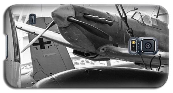 Machines Of War Galaxy S5 Case by Ross Henton