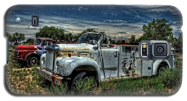 Galaxy S5 Case featuring the photograph Mack Fire Truck by Ken Smith