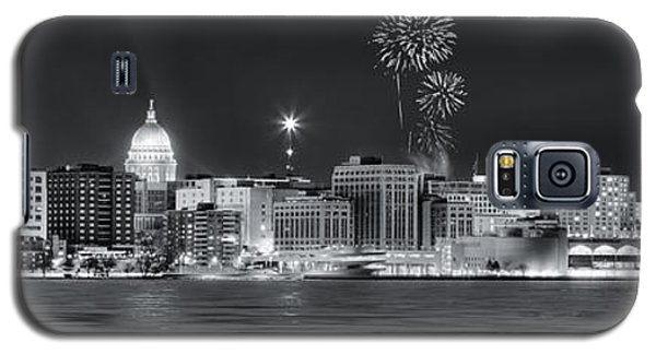 Madison - Wisconsin -  New Years Eve Panorama Black And White Galaxy S5 Case