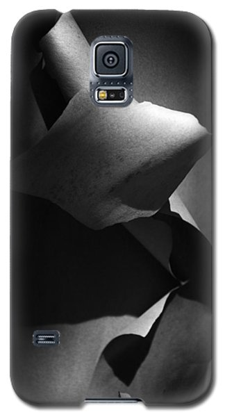 Galaxy S5 Case featuring the photograph Madrona Bark Black And White by Yulia Kazansky