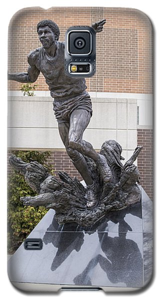 Magic Johnson Statue At Breslin  Galaxy S5 Case by John McGraw