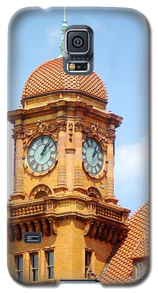 Galaxy S5 Case featuring the photograph Main Street Station Clock Tower Richmond Va by Suzanne Powers