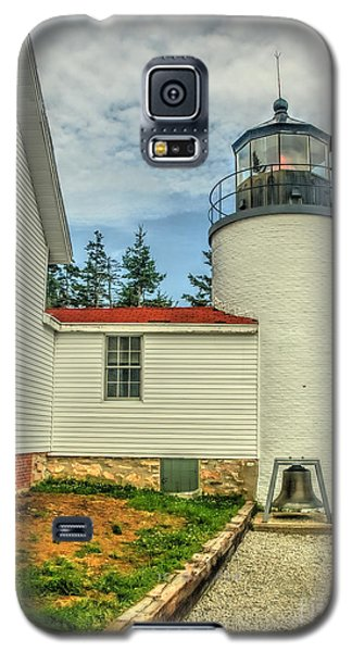 Galaxy S5 Case featuring the photograph Maine Lighthouse by Raymond Earley