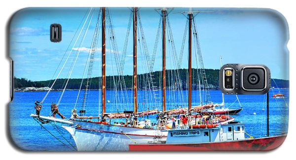 Galaxy S5 Case featuring the photograph Maine Times by Raymond Earley