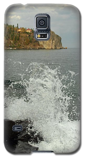 Galaxy S5 Case featuring the photograph Making A Splash At Split Rock Lighthouse  by James Peterson