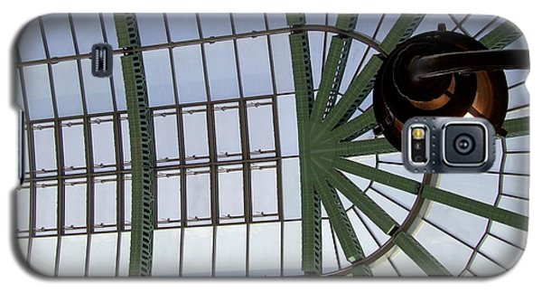 Galaxy S5 Case featuring the photograph Mall Of Emirates Skylight by Andrea Anderegg