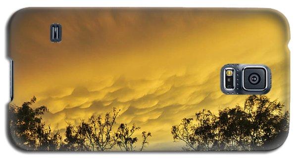 Mammatus Clouds At Sunset Galaxy S5 Case by Karen Slagle