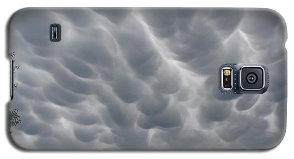 Mammatus Clouds Over Yorkton Galaxy S5 Case
