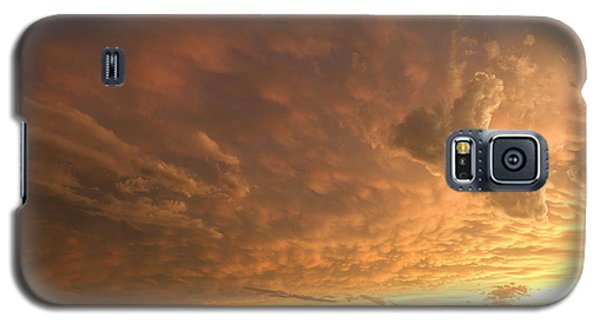 Galaxy S5 Case featuring the photograph Mammatus Clouds by Rob Graham